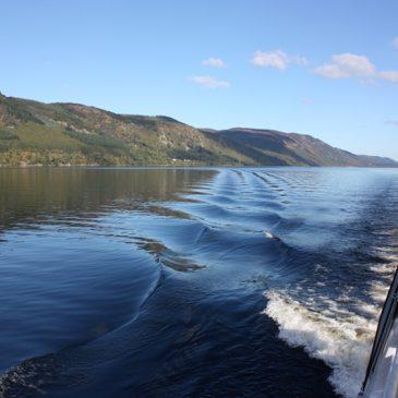Het meer van Loch Ness