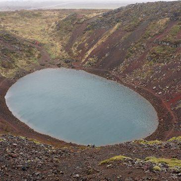 Twee watervallen en een krater