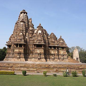 Fietsen en erotische tempels in Khajuraho