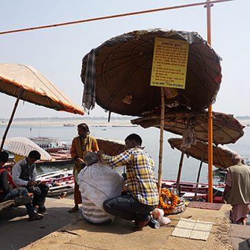Varanasi, naar de kapper aan de Ganges